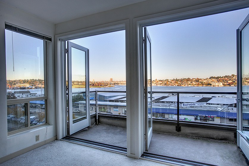 Living View Lakewest